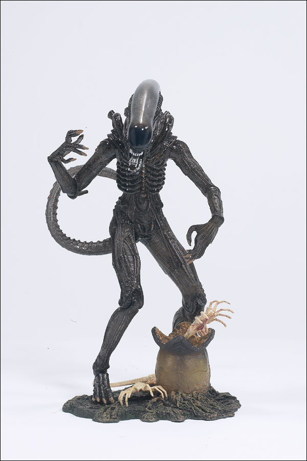 SPAWN.COM >> TOYS >> MOVIES >> ALIEN AND PREDATOR