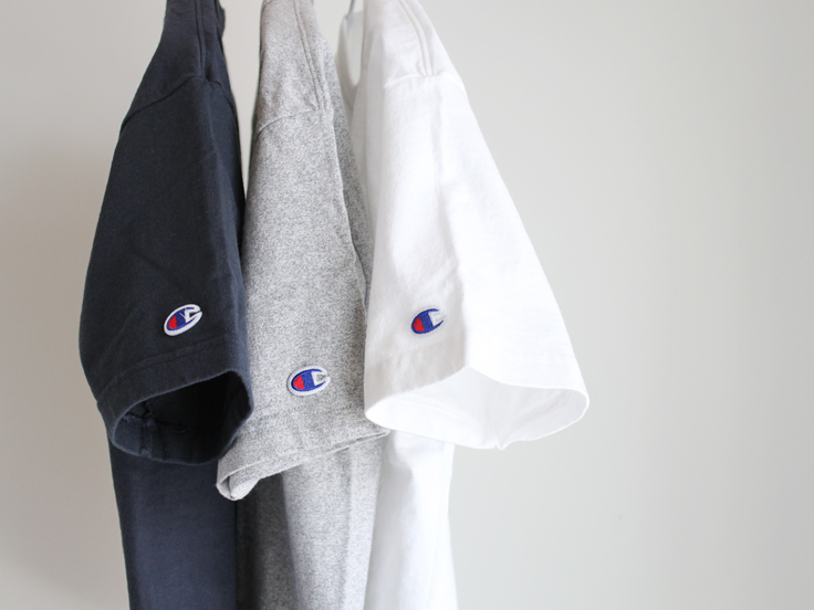 Champion(チャンピオン)T1011 HEAVY WEIGHT POCKET TEE SHIRT - LOOK AT US NEWS