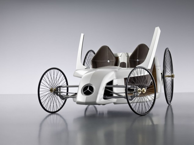 Daimler Unveils Mercedes-Benz F-CELL Roadster with Hybrid Drive Photo Gallery (707031_1277383_6494_4871_09C191_007) | eMercedesBenz