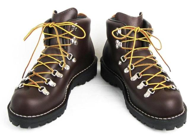Google 画像検索結果: http://threewood.jp/pic-labo/DANNER-MOUNTAIN-LIGHT-BROWN-497D-31520X-b.JPG