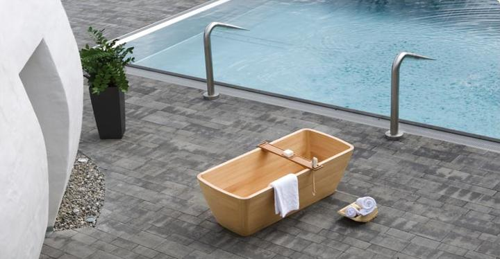 Contemporary Wooden Aqua Bathtub by Edoardo Petri for FRANCOCECCOTTI | gresstnan.com