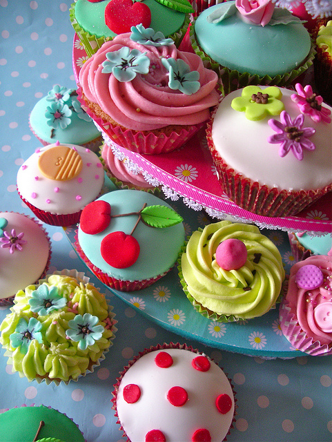 All sizes | vintage tea cupcakes | Flickr - Photo Sharing!