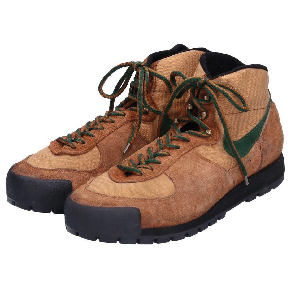 @organiclab.zip - Instagram:「Nike developed their first hiking range – the predecessor to ACG – which released in 1981 and included the Gore-Tex equipped Nike Approach…」