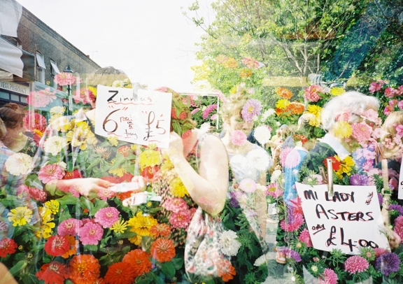 MarketWalk in London: Columbia Flower Market with the DianaF+ - Lomography