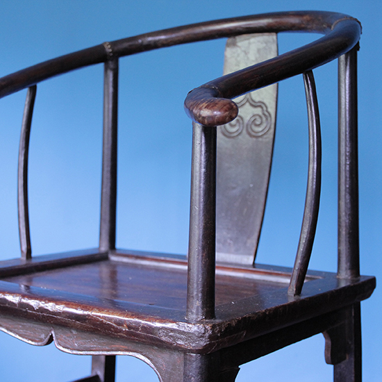 """circle back chair """"圏椅"""" / 圏椅 [on the shore]"""