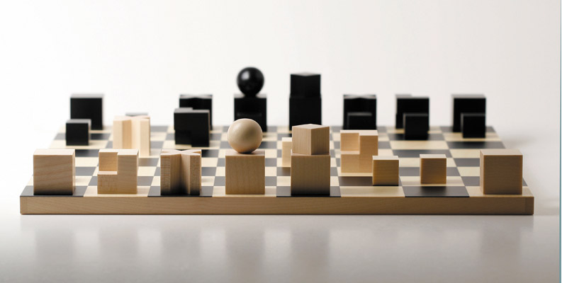 Bauhaus chess pieces  >> www.naefspiele.ch