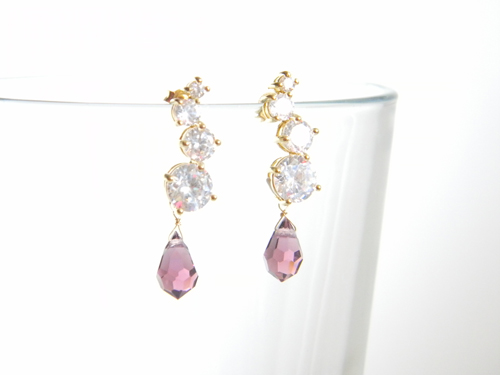 14k Gold Filled/16k・22k Gold Plated > Earrings - 16k Gold Plated Cubic Zirconia Stud Earrings/Swarovski Amethyst -