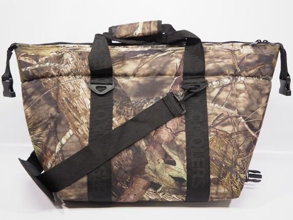 24 Pack Mossy Oak Cooler - Hunter Series - Coolers