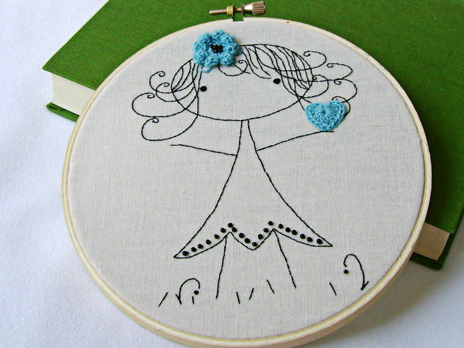 Embroidery Pattern PDF Little Girl With Heart And Flower   Luulla