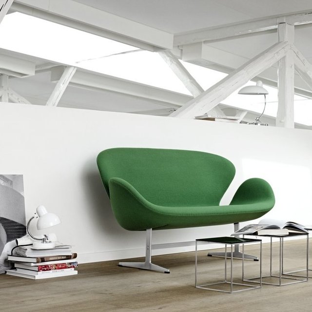 Fancy - Fritz Hansen Swan 3321 Sofa by Arne Jacobsen