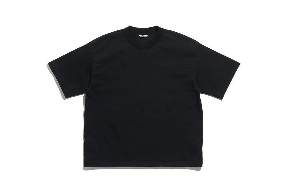 Stand Up Tee-Black