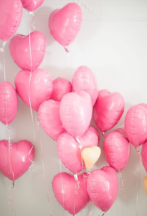 Happy Heart Day / pink, heart-shaped balloons | We Heart It
