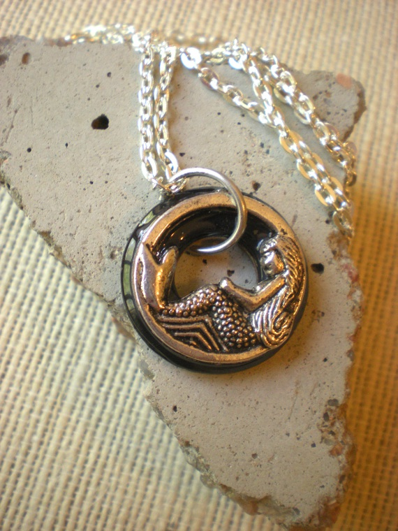 Mermaid Necklace: Black And Silver on Luulla