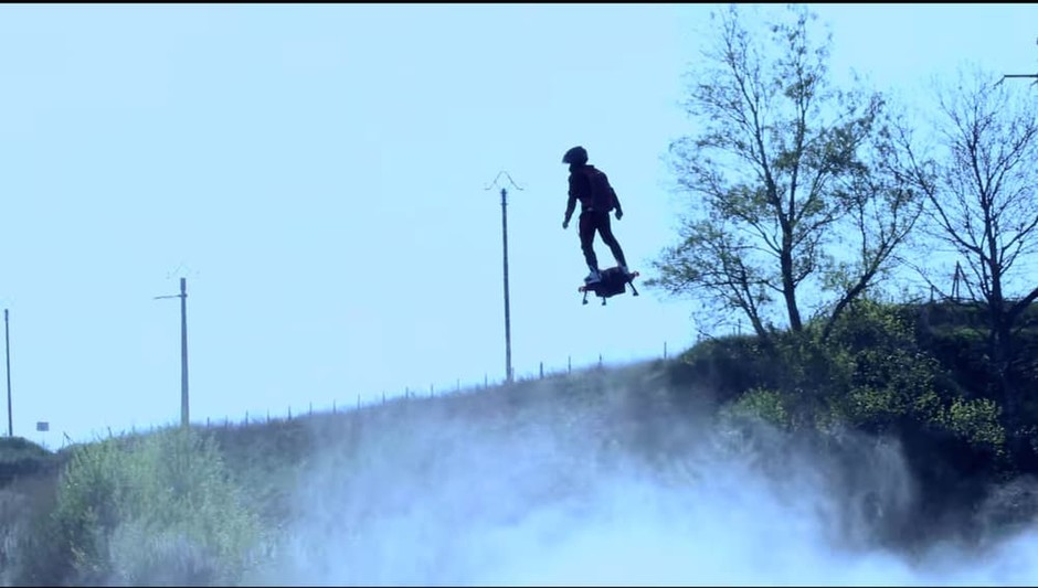 Franky Zapata's awesome Flyboard Air redefines the concept of a hoverboard - Images