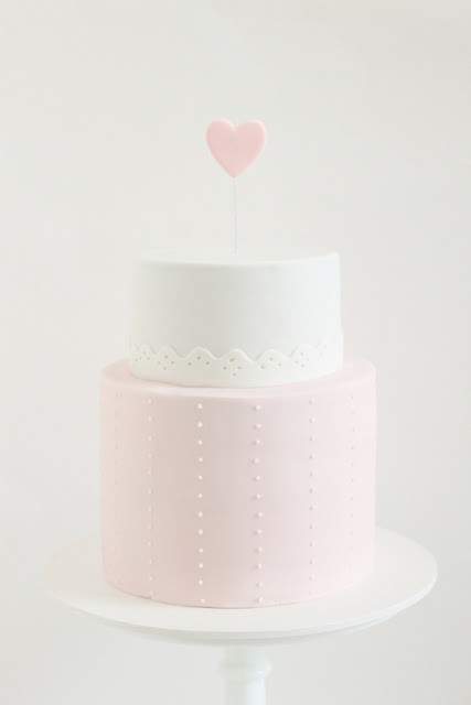 food ☆ drink / sweet simple cake with heart topper