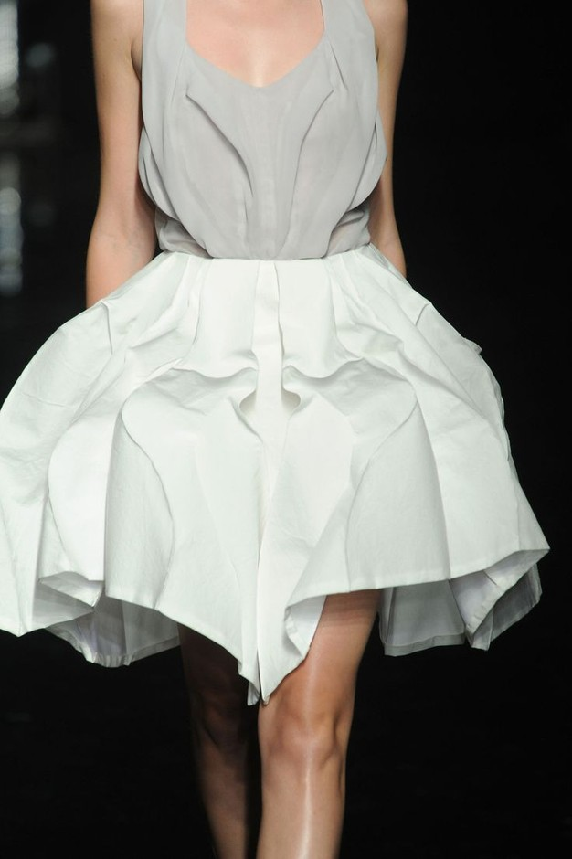 Yiqing Yin at Couture Fall 2012 | Dress assignment