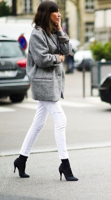 Fashion / how to wear your white jeans into fall...