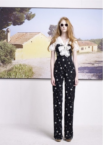 9_bee%20jumpsuit-thumb-350x491-35741.jpg 349×491ピクセル