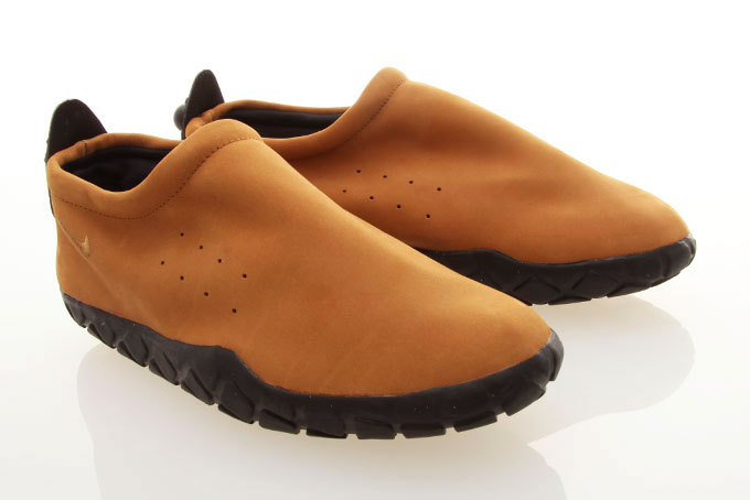 Nike Air Moc | FREE Global Sneaker Shipping | CrookedTongues.com — Selling soles since 2000