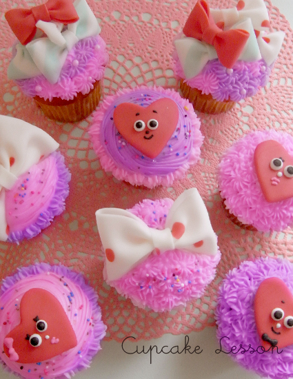 Valentine Cupcake Lesson - THUMB AND CAKES