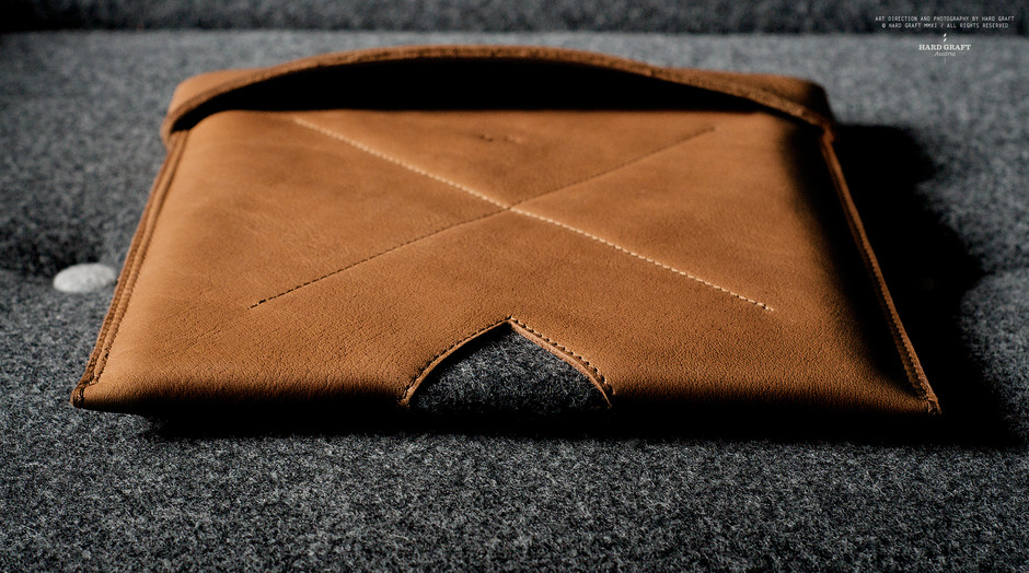 hard graft / Premium Leather Bags, Wool Felt Laptop Sleeves, iPad Cases and iPhone Cases / Handcrafted in Italy and Austria / Leather MacBook Sleeve / HERITAGE