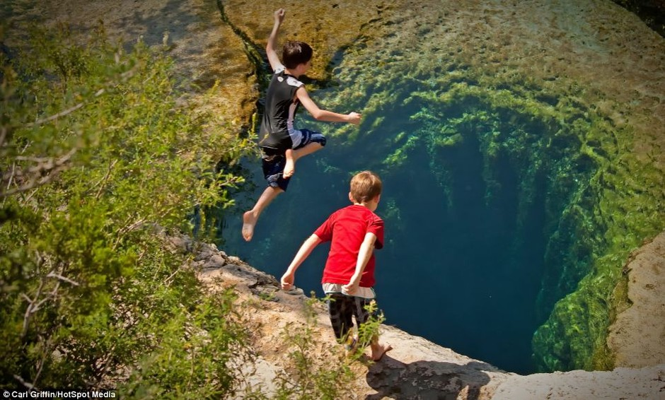 Jacob's Well in Wimberley, Texas is one of the most dangerous places to dive on Earth | Mail Online
