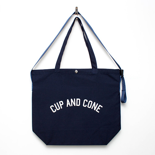Arch Logo Jumbo Sacoche - Navy - cup and cone WEB STORE