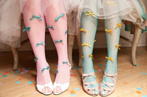 g i r l s / Bow tights   We Heart It