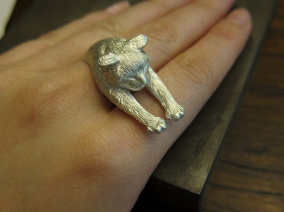 Lazy Cat Ring White by aprimiao on Etsy