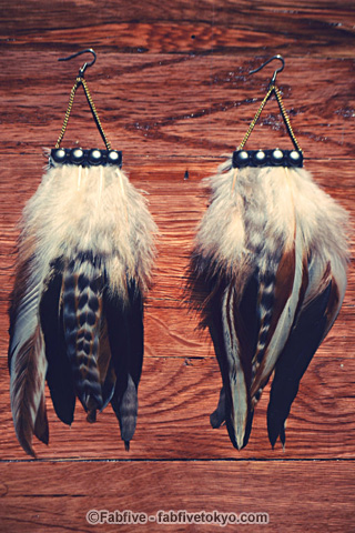 francisfrank Cherokee Studded Feather Earrings - Fabfive ファブファイブ