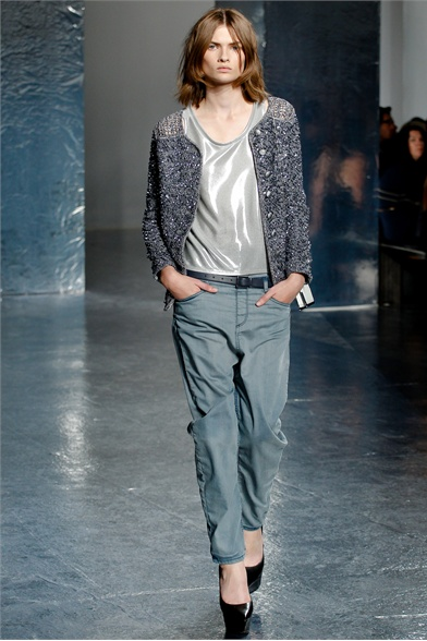 Theyskens' Theory - Spring Summer 2012 Ready-To-Wear - Shows - Vogue.it