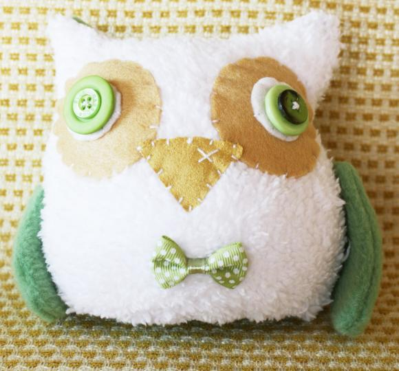 BOObeloobie Orli The Owl In Olive Green, White And Cream With A Yellow Beak And Wing Detail   Luulla