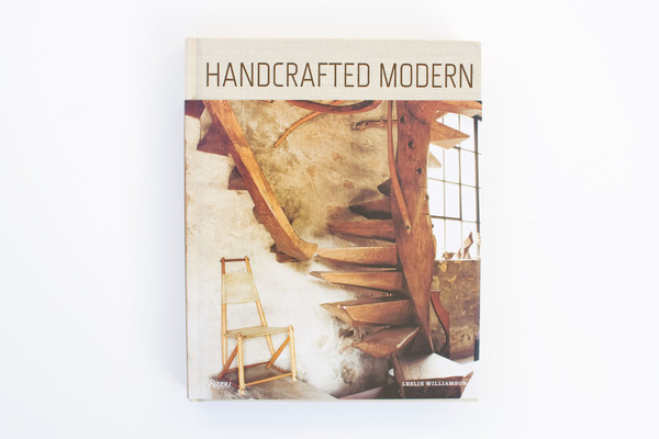 Amazon.co.jp: Handcrafted Modern: At Home with Mid-century Designers: Leslie Williamson: 洋書