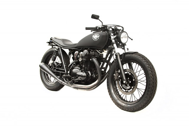 Kawasaki W650 redefined by Deus ~ Return of the Cafe Racers