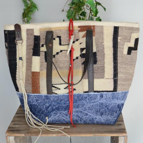 "BOUTIQUE HERMITAGE / J.AUGUR DESIGN ""Navajo Large Tote Bag"""