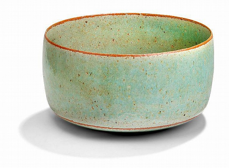 Alev Siesbye: Stoneware bowl. Partly decorated wit - by Bruun Rasmussen