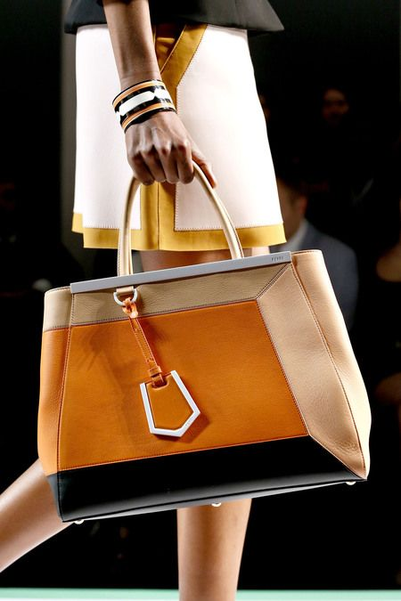 SPRING 2013 READY-TO-WEAR Fendi | Details Matters.