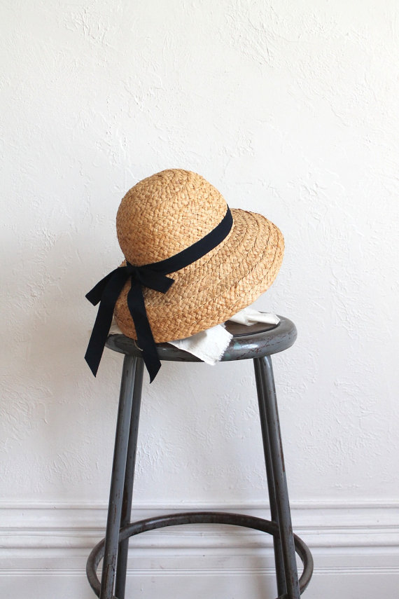 Vintage 90s Natural Cloche Shade Hat with Bow by vauxvintage