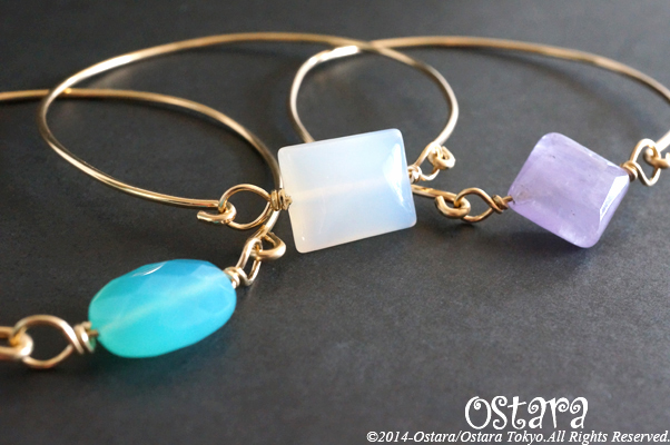 14k Gold Filled/16k・22k Gold Plated > Bangle/Bracelet - 14k Gold Filled Wire Bangle with Power Stone/Sea Blue Chalcedony -