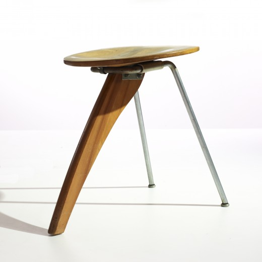 155: Isamu Noguchi / Rudder stool, model IN-22 < Modern Design, 07 October 2008 < Auctions | Wright