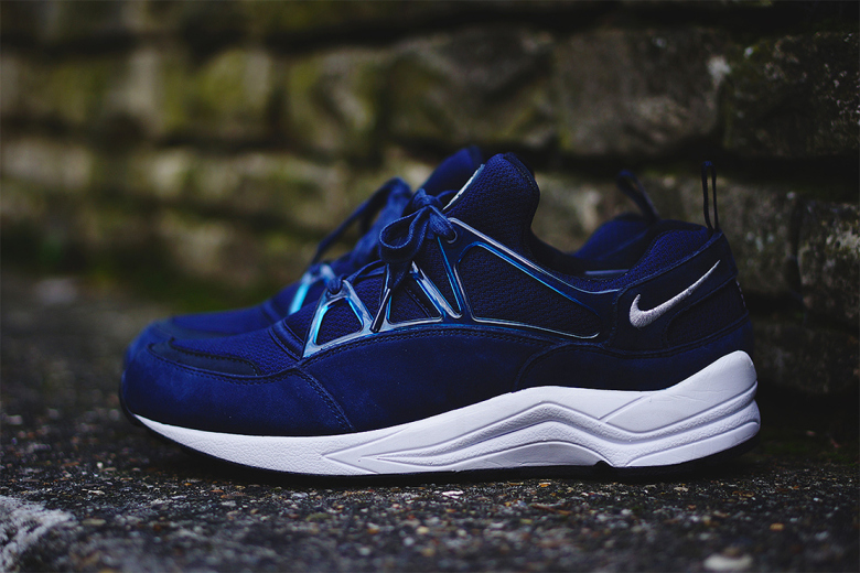 nike-air-huarache-light-navy.jpg 580×419 ピクセル