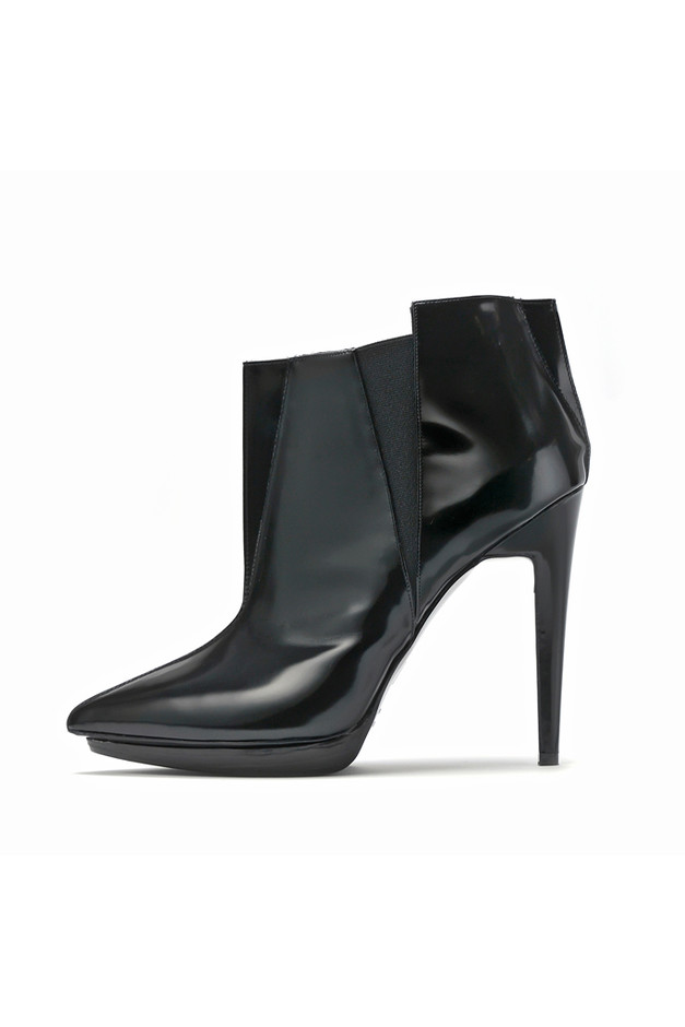 Style.com Accessories Index : fall 2012 : Pierre Hardy