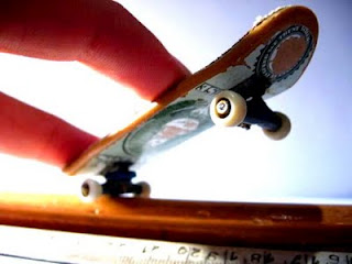 how to play fingerboard | fingerboard - sport world