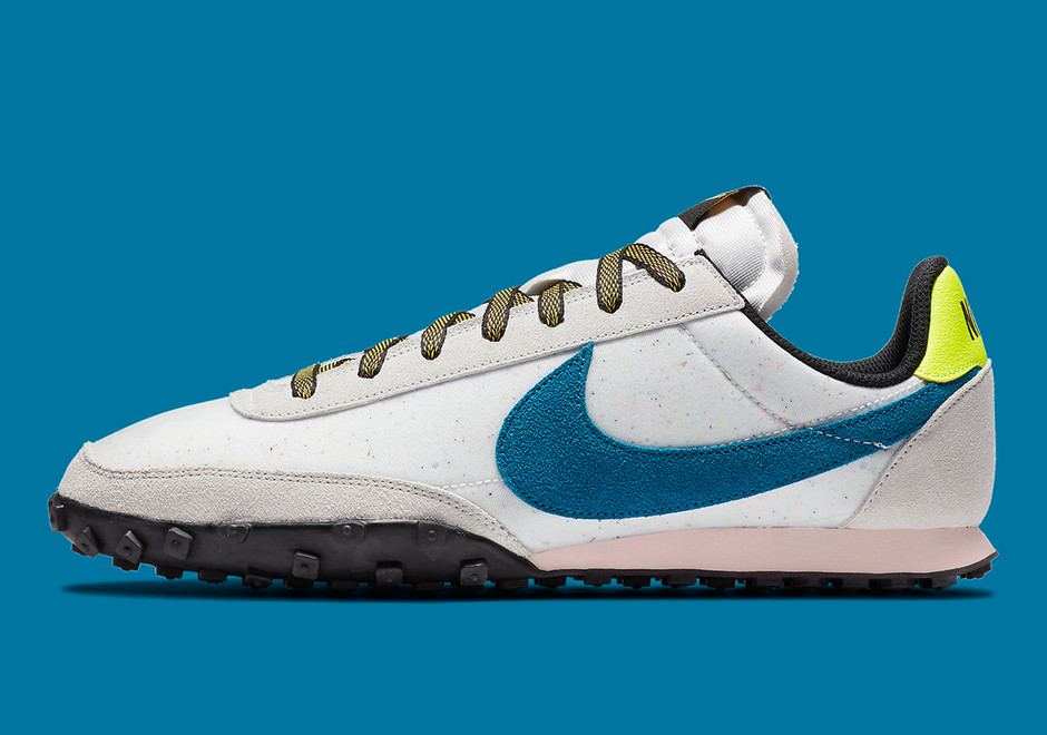 Nike Waffle Racer Summit White Green DA4655-100 | SneakerNews.com