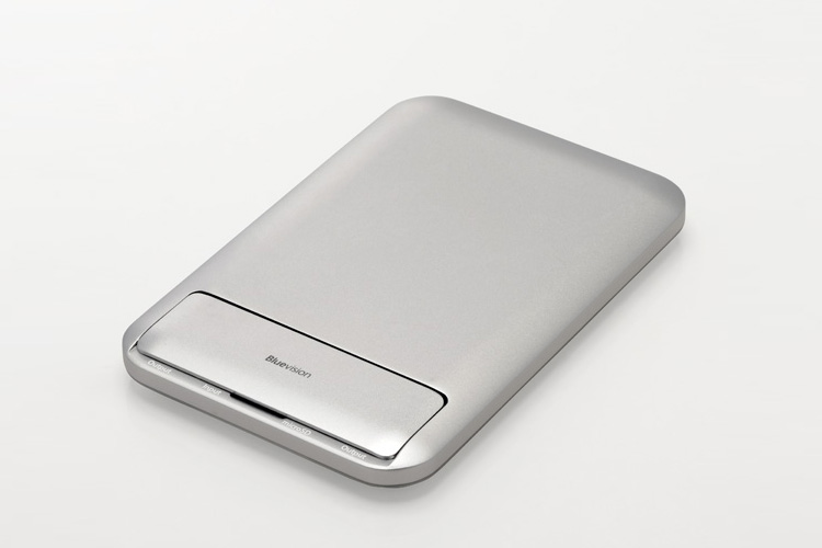 Bluevision Clamshell 6000 Mobile Battery for iPhone/Smartphones Silver MacPerfect International