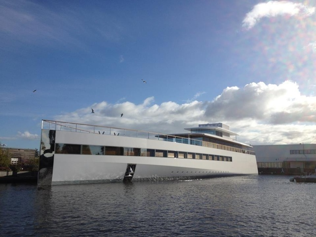 Steve Jobs's yacht makes its first appearance (video) | The Verge