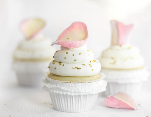 ModCloth Blog » Blog Archive » Vanilla-Rose Water Cupcakes by Heather of SprinkleBakes