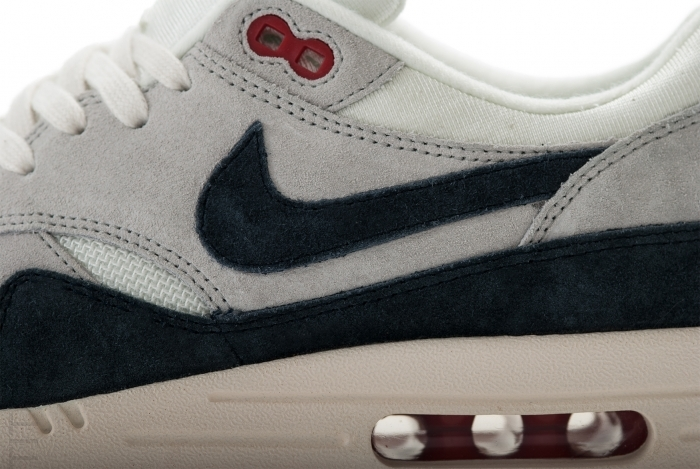 Nike Air Max 1 OG 554717 100 Sail Dark Obsidian Neutral Grey University Red Tito