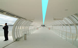 Détail de l'image -the charitas ferry station was also designed by oscar niemeyer