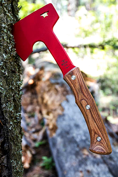2015 Debut: 'Red Steel' Compadre Series Coming From Buck Knives